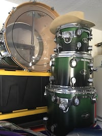 Green and silver drum set Porterville, 93257