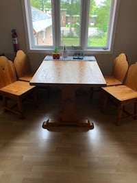 Wood Kitchen Table w/ 4 chairs Vaughan, L6A 1C8