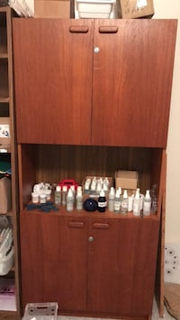 Brown wooden cabinet with shelf Gainesville, 32606