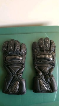 Black  leather  motorcycle gloves, with carbon fiber knuckles,  2XL Clinton, 20735