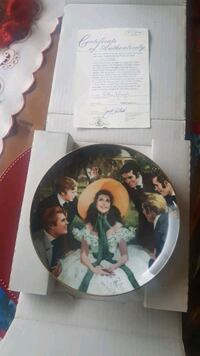 """Limited edition """"Scarlett and her suitors"""" plate Mississauga, L5N 8M2"""