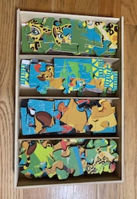 Disney - The Lion Guard 7 Pack Wood Puzzle set with storage box