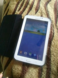 white Samsung Galaxy Tab with case Moreno Valley, 92553
