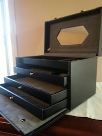 Jewelry box with mirror $55 Mississauga, L5M 4Z5