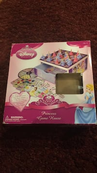 Disney princess game house box Huntley, 60142