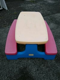 Little tykes large picnic table Tinley Park, 60477