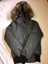 Aritzia COMMUNITY Zip up Fur Jacket Vancouver