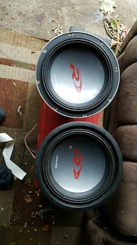 2 alpine type R 12s with jbl q200 4 channel amp