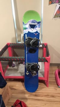 blue and black snowboard with bindings Portland, 04102
