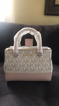BRAND NEW MK PURSE