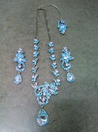 Beautiful Necklace with Matching Earrings Crystal River, 34429