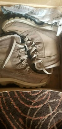 pair of brown leather boots Toronto, M1N 1K8