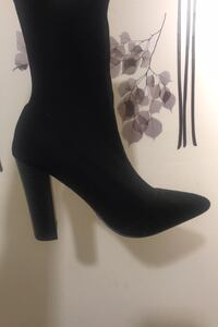 High heel boots size 6