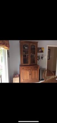 Antique Oak Cabinet/Hutch Bowie