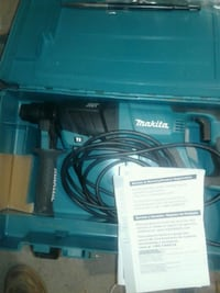Makita sds plus brand new with new chisels Strongsville, 44136