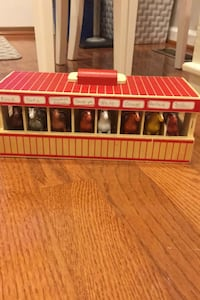 Melissa and Doug horse Stable Stafford, 22554