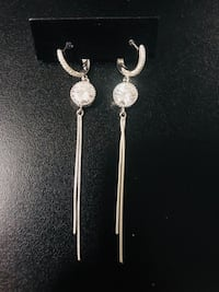 pair of silver-colored hook earrings Miami, 33177