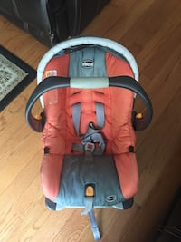 baby's red and blue car seat carrier Alexandria, 22309