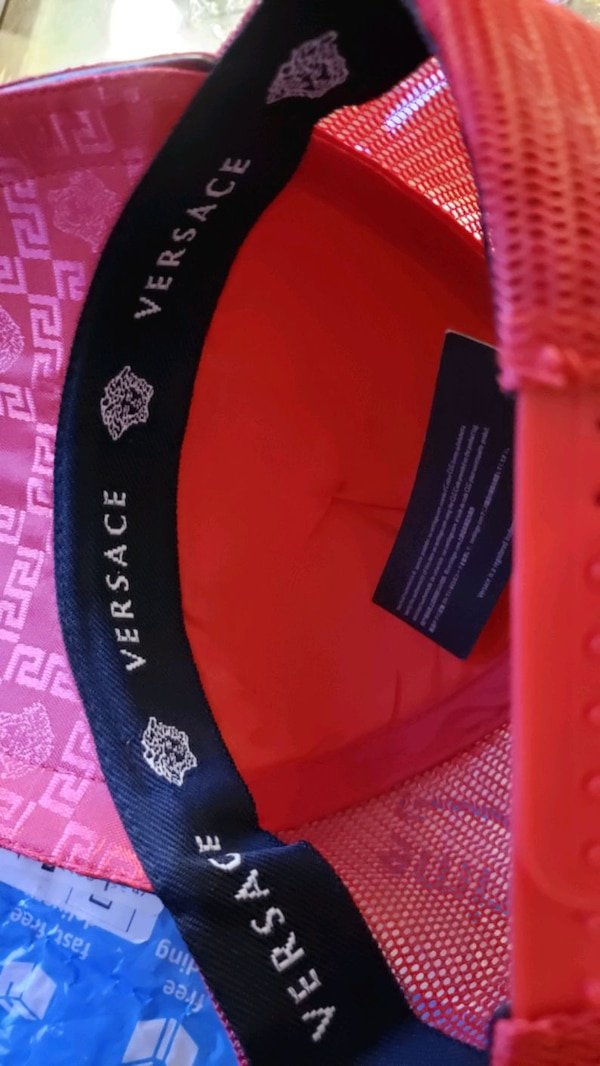 VERSACE HAT RED WITH GOLDEN SIZE XL ITALY NEW 1659274d-f5aa-452d-8c75-0ce7794b25d6