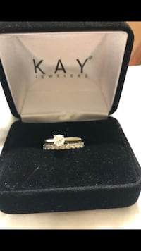 silver-colored Kay Jewelers ring with clear gemstones Pasadena, 77503