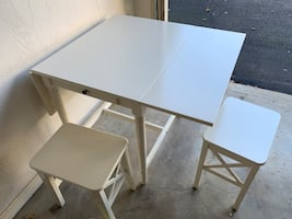 White kitchen/dining table foldable