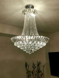 Beautiful crystal chandelier new  Mississauga, L5N
