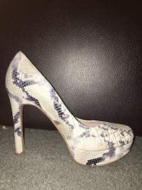 White and-gray Joan and David snakeskin pumps Austin, 78752