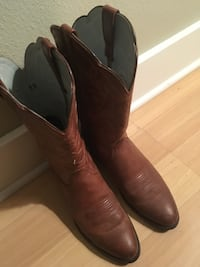 Pair of brown leather cowboy boots Fairview, 97024