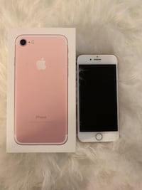 Perfect condition iPhone 7 32GB - no dings or scratches Toronto, M5V 3Z3