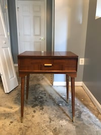 Sewing machine table Frederick, 21702