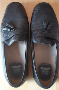 """Nunn Bush Comfort Gels Mens Black Loafers with Tassels EUC  11M pre owned Genuine Leather Upper Leather Lining - Balance Handmande Made In China 41/4"""" widest at mid sole 12"""" long Newmarket"""