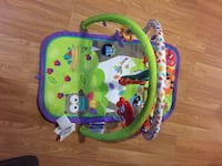 Play mat only used a couple times. Plays music  Welland