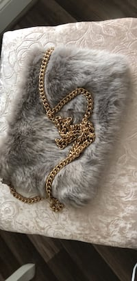 Forever21 Flur purse with gold chain Carnegie, 15106