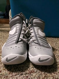 Nike high top basketball youth 4.5 Greer, 29651