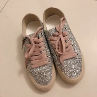 glitter sneaker with pink lace 多伦多, M4Y 1T1