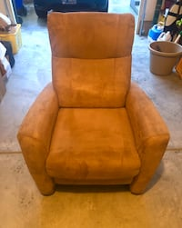 Extremely Comfortable Recliner