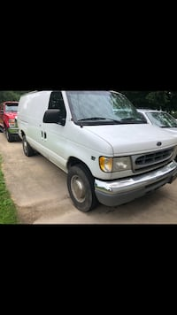 Ford - E-Series - 2001 Youngstown