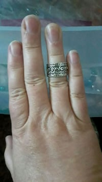 Nuckle ring