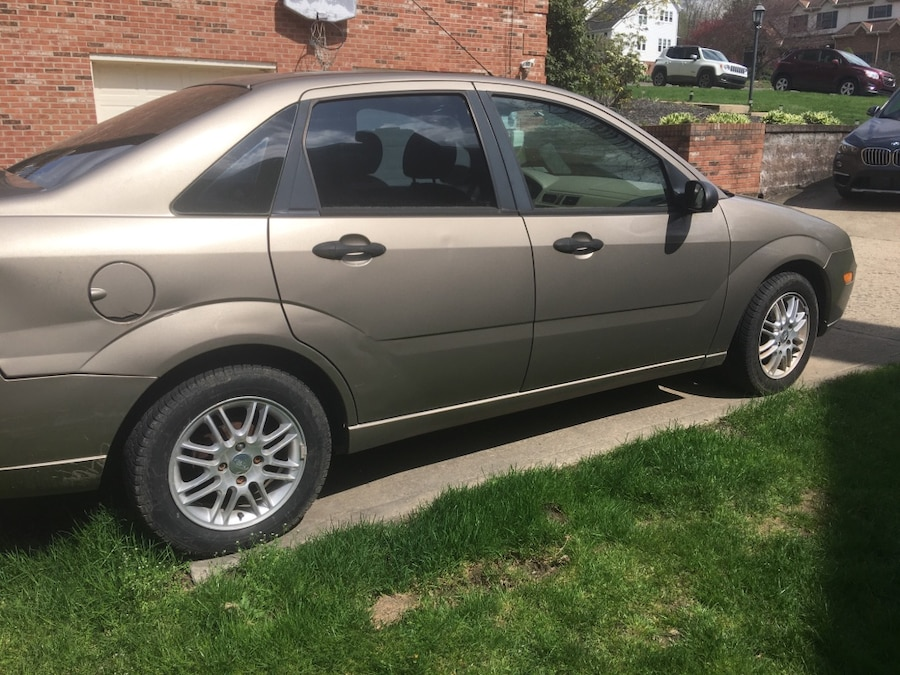used 2005 ford focus se zx4 in pittsburgh. Black Bedroom Furniture Sets. Home Design Ideas