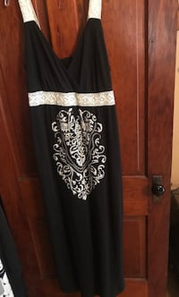 Great for Summer!!! Woman's Long, Black&White Dress Size Large Chillicothe, 45601
