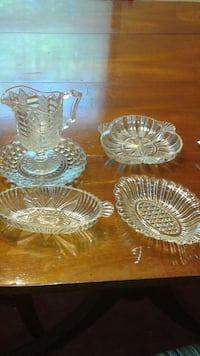 5 pc glass set Canton, 48188
