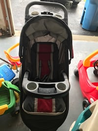 Graco jogger with car seat and base Bedminster, 07921