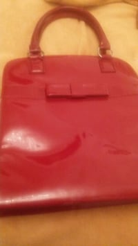 Hot red purse Springfield, 65803