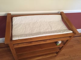 Changing table (wood, with pad)