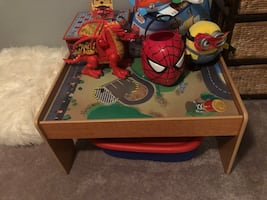 Play table. Good condition