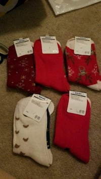 five pair of red and white foot socks Manassas, 20109