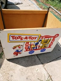1950's TOTE A TOY. TOY BOX.