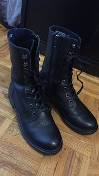 New Pair of black leather side-zip combat boots (women) Toronto, M2R 3G7