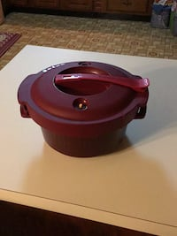 Red and black Tupperware microwave slow cooker Silver Spring, 20903