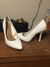 White and red heels brand new Sherwood Park, T8A 4H1